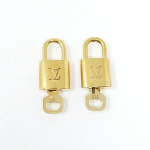 100% Authentic Louis Vuitton 2 Locks & 2 Keys